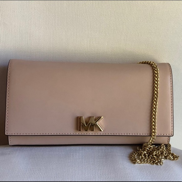 MICHAEL Michael Kors Handbags - Michael Kors Mott Soft Pink Clutch Large Leather